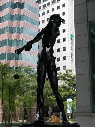 Homage to Newton (1985), UOB Plaza.