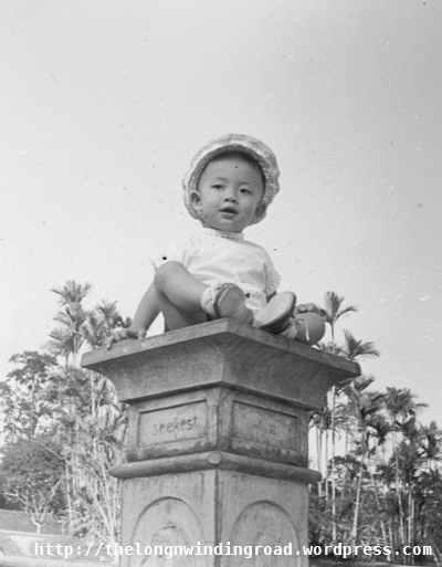 My introduction to the sundial at the Botanical Gardens in 1966.