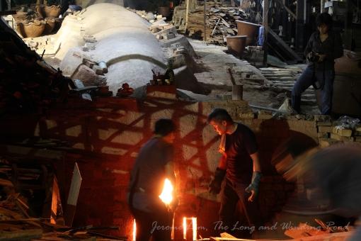 Thow Kwang dragon kiln during the MMarch 2012 firing.