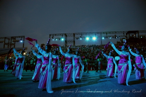 The largest Chinese Classical Dance in the show's history sees 450 young dancers from both Singapore and China peform.
