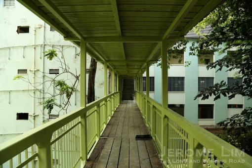 A linkway from Pearl's Hill Terrace to the Lower Barracks.