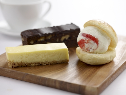 Must try desserts - the cheesecake, brownie and