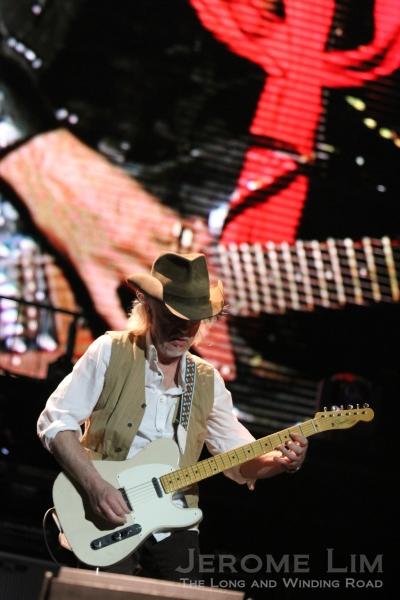 Brad Whitford on guitar.