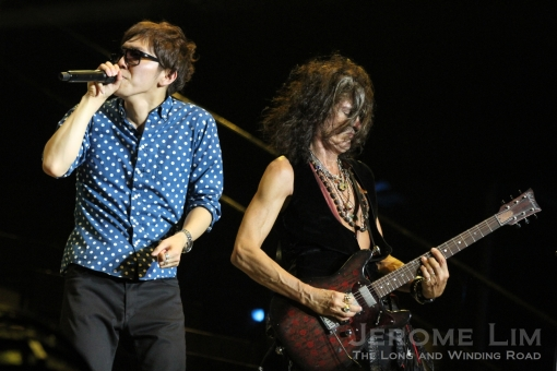 Japanese Beatboxer Hikakin with Joe Perry.