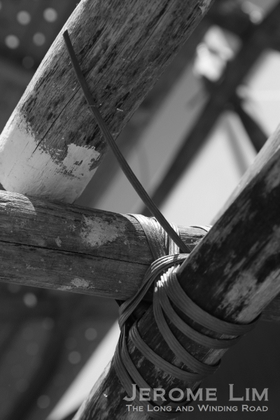 A close-up of the lashing on a cross joint.