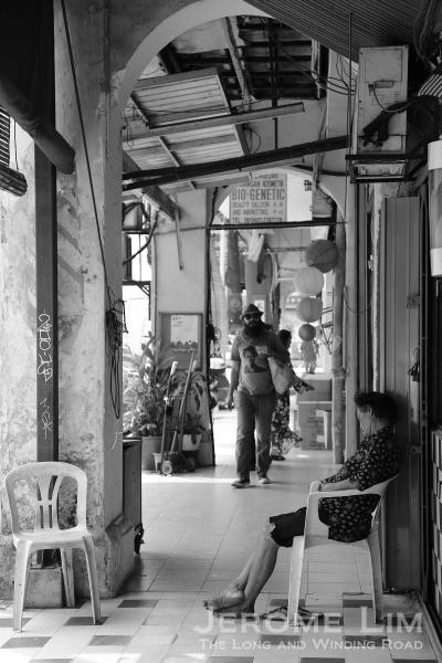 A five-foot-way along Jalan Panggong.