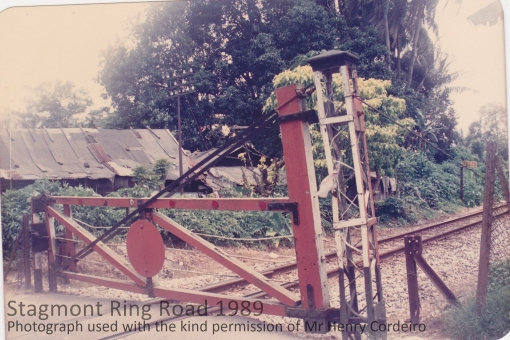 The crossing on the side of the road opposite the hut in 1989 (photograph used with the kind permission of Henry Corderio)..