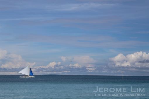 A paraw off White Beach.