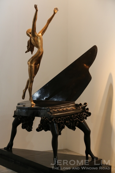 Opera Gallery has its usual collection of Dali's sculptural works.