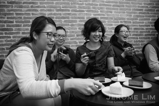 Some of the bloggers on the Shanghai Adventure having a good time over coffee and cake.
