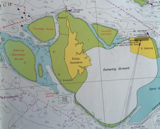 Location of Terumbu Semakau relative to Pulau Semakau.