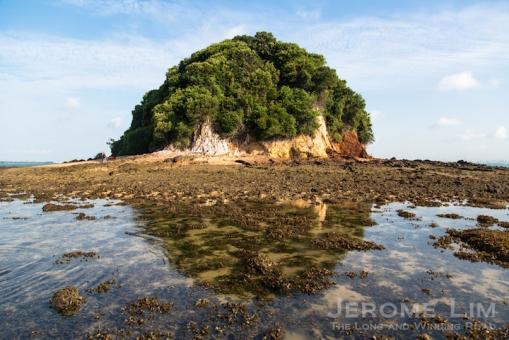 Junk Island at low-tide.