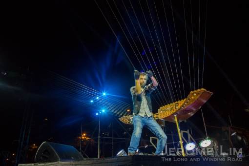 Willaim Close and his Earth Harp.