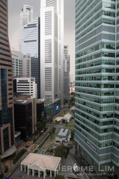 Despite being in teh shadows of the taller buildings around, the roof terrace of the Ascott offers a great view of the surroundings, including Raffles Place.