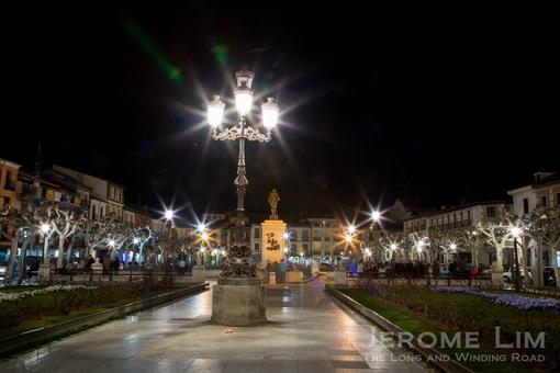 Plaza de Cervantes by night.