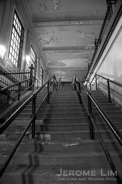 A stairway to a lost heaven - the closed second level of the terminal.