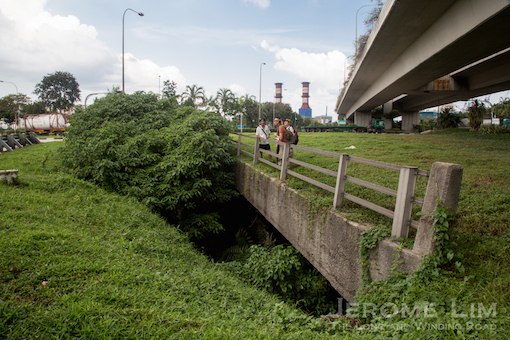 In search of the tunnel under the Jurong Pier Circus.