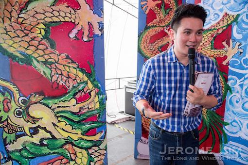 Nick Shen introducing the concept of the stage door or hu du men (虎度门).