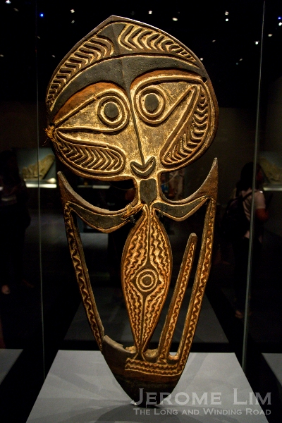 A skull holder from New Guinea.