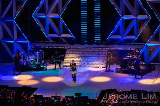 The spotlight was very much on Adam Lambert, before ....