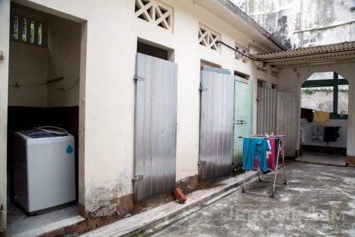 The wash area.