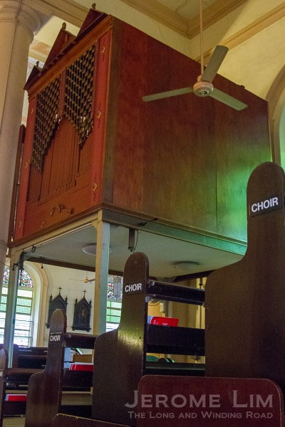 The choir organ in 2013, which has been removed.