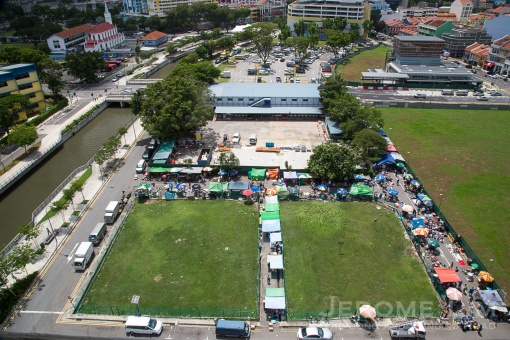 The market today is centred on a shophouse cleared Larut Road and Pitt Street.